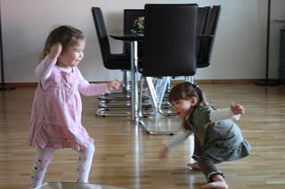 20090407_dancing_queens1